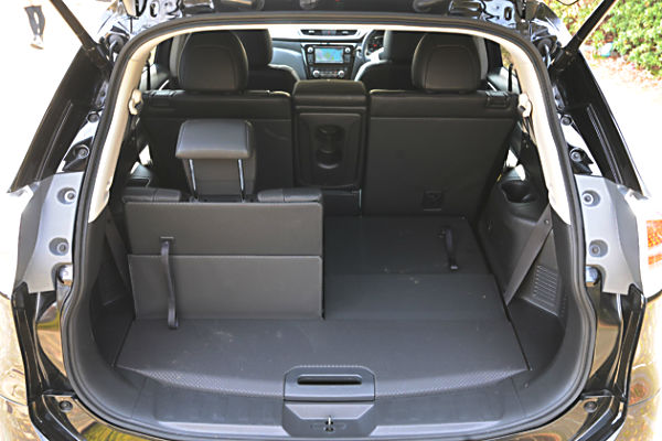 nissan-x-trail-luggage-space