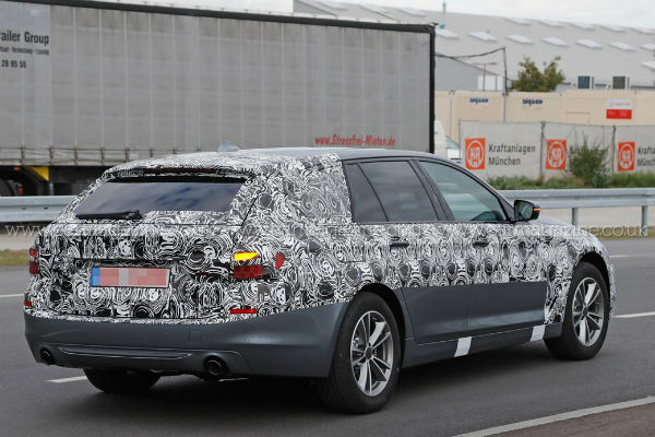 bmw-5series-touring-g30-spyshot-rear