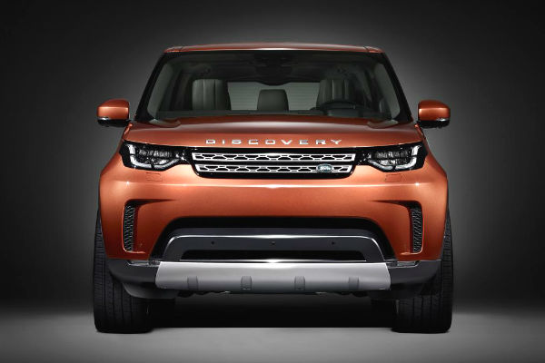 land-rover-discovery-2017-front