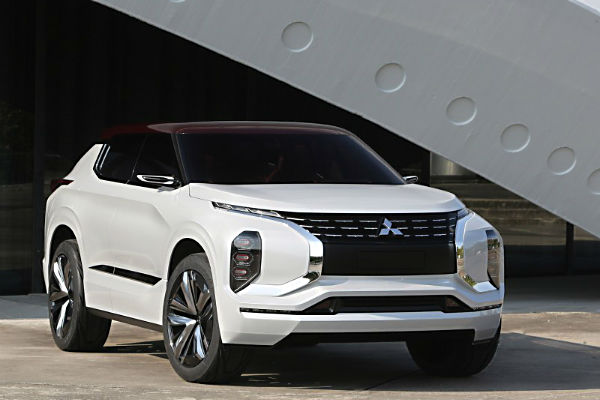 mitsubishi-gt-phev-concept-right-front
