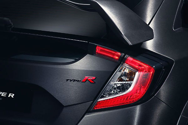 new-civic-type-r-badge
