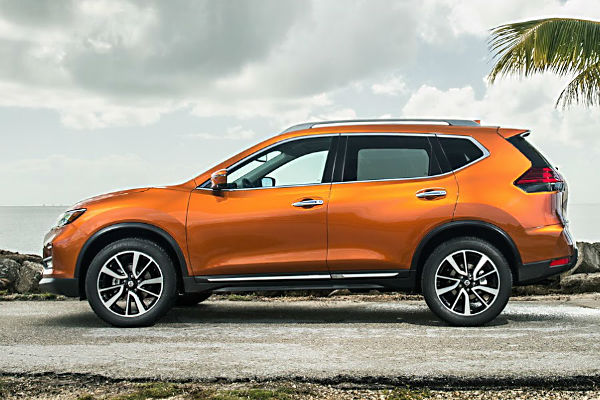 nissan-rogue-2017-side