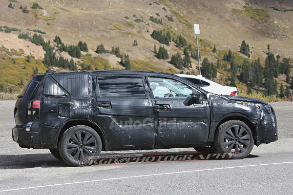 subaru-tribeca-spyshot-side