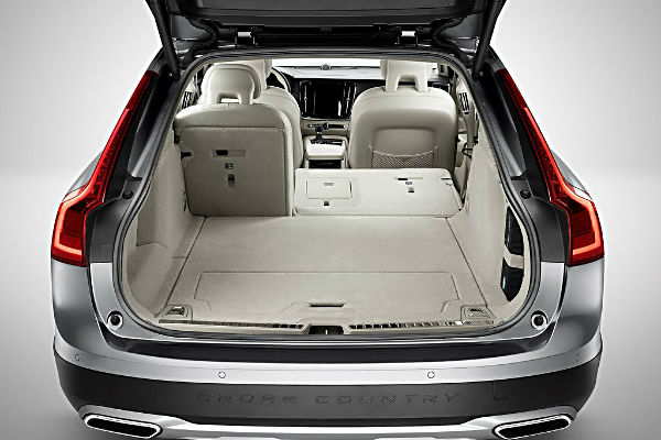 volvo-v90-cross-country-luggage
