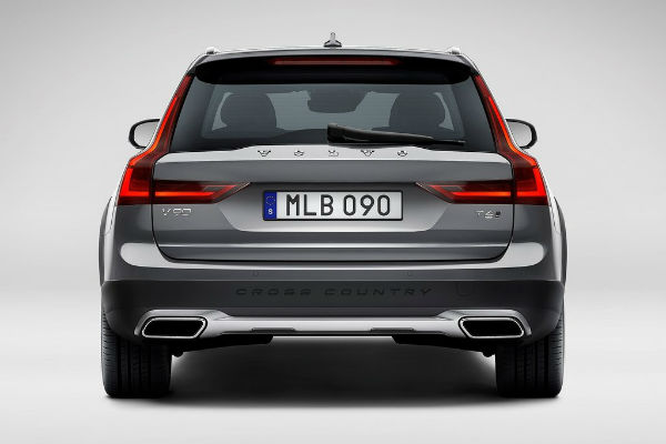 volvo-v90-cross-country-rear