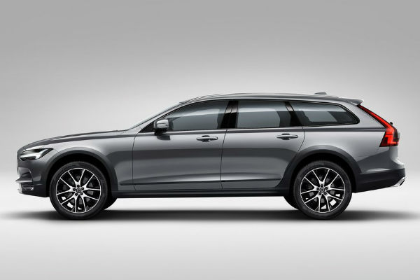 volvo-v90-cross-country-side
