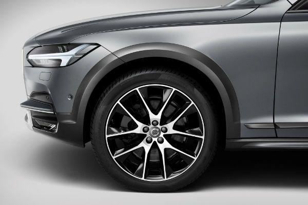 volvo-v90-cross-country-wheel