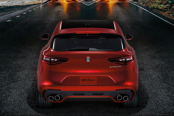 alpha-romeo-stelvio-rear