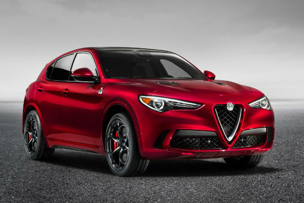 alpha-romeo-stelvio-right-front