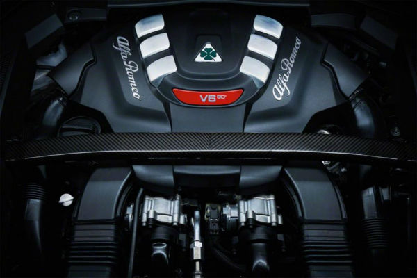 alpha-romeo-stelvio-v6-engine
