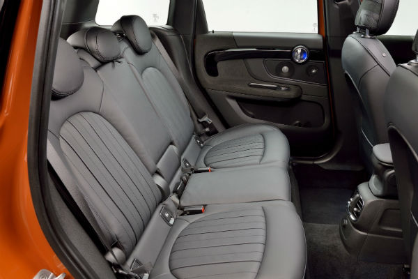 mini-crossover-2nd-gen-rear-seat