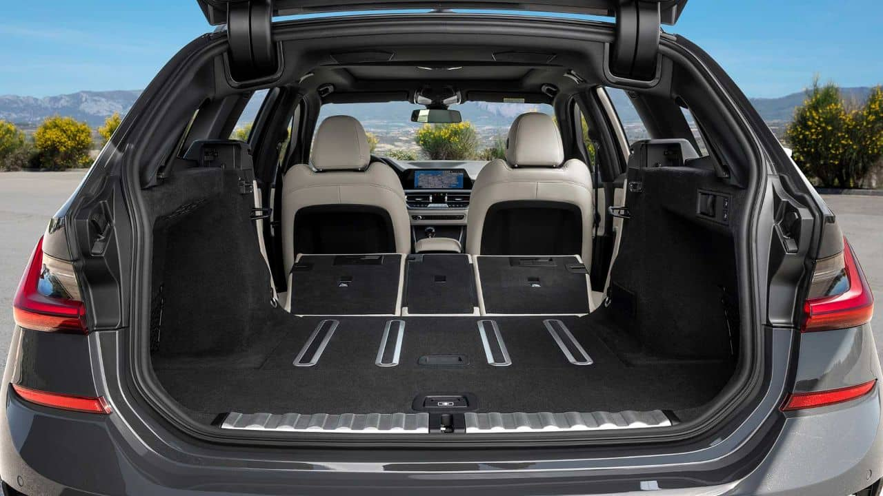 BMW 3 Series Touring luggage