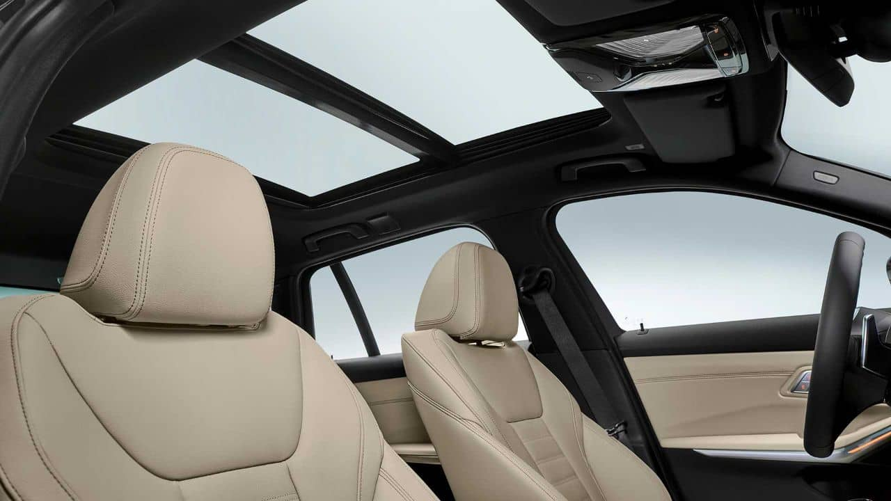 BMW 3 Series Touring roof