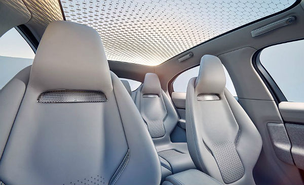 jaguar-i-pace-panoramic-roof