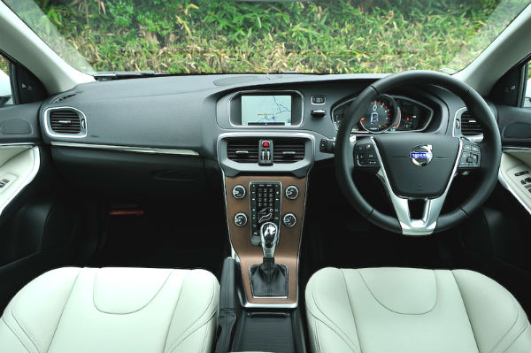 volvo-v40-dashboard