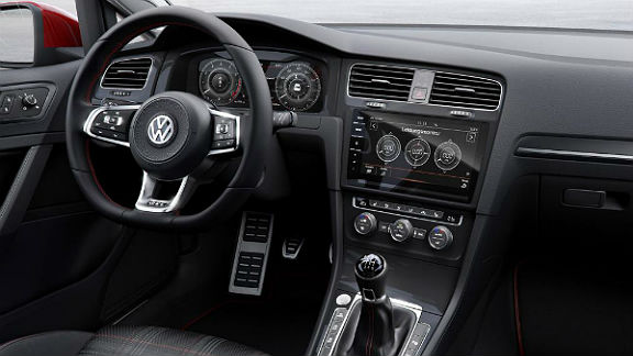 vw-golf7_5-gti-interior