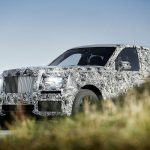 rolls-royce-suv-front-three-quarter