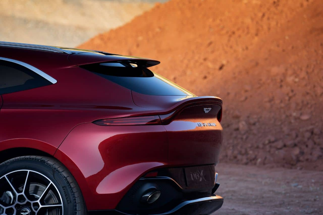 Aston Martin DBX tail gate