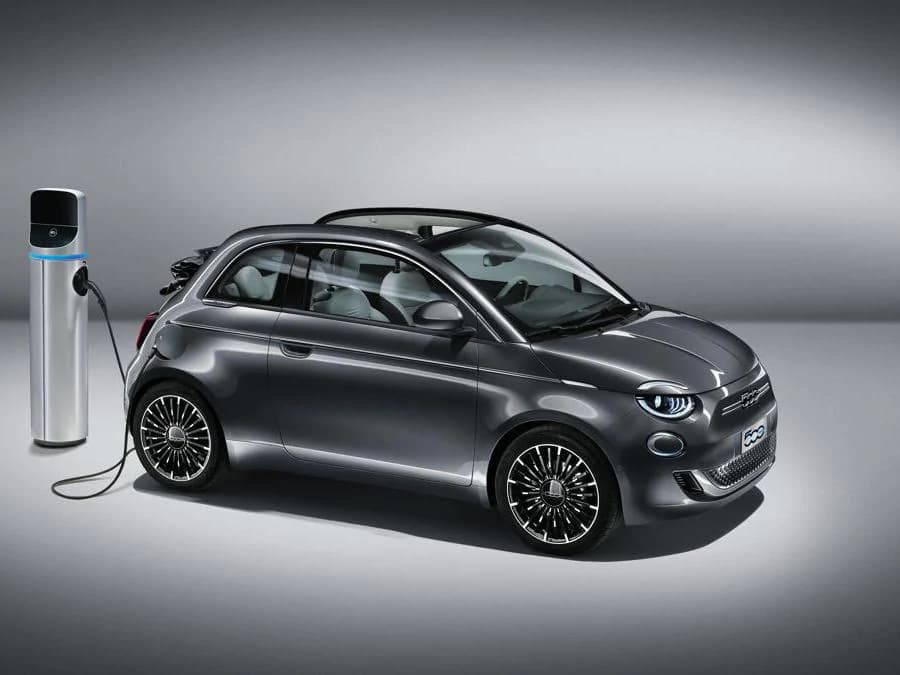 Fiat 500e Official Photo Leaked charging