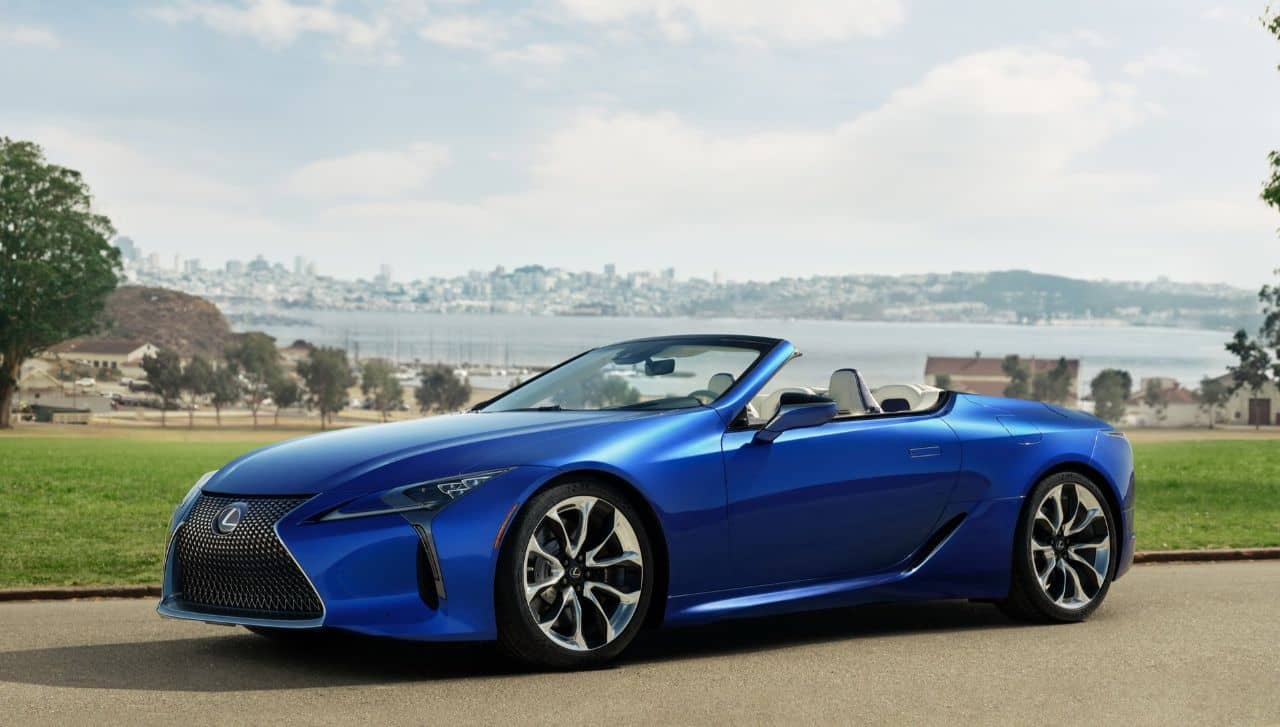 Lexus LC500 Convertible front three quarter