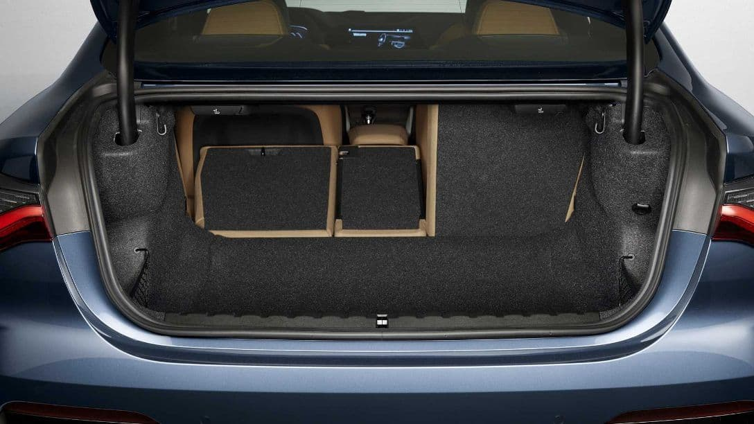 BMW 4 Series Coupe luggage
