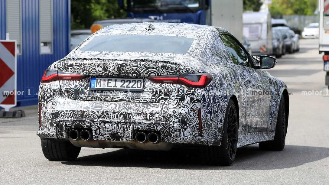 BMW M4 spyshot rear