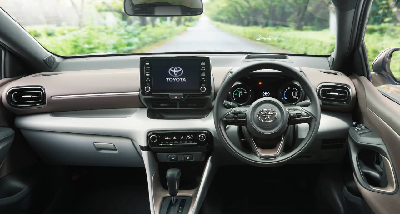 Toyota Yaris 4th-Gen interior