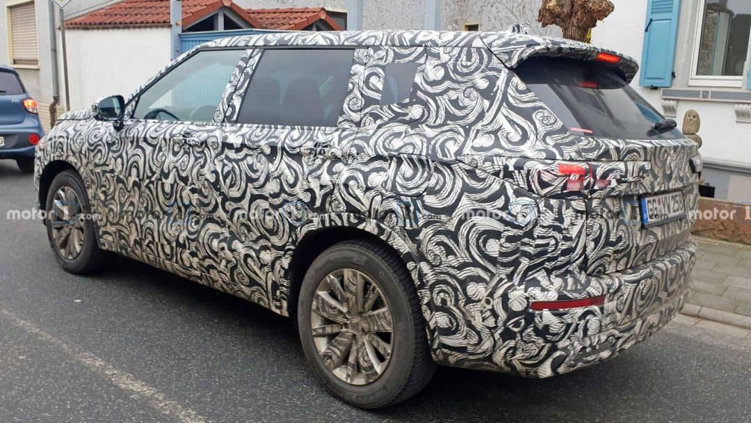 Mitsubishi Outlander 3rd Gen Spyshot rear three quarter