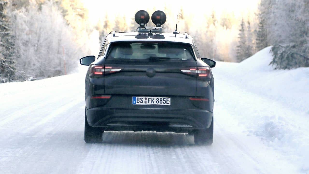 VW ID.4 snow test spyshot rear