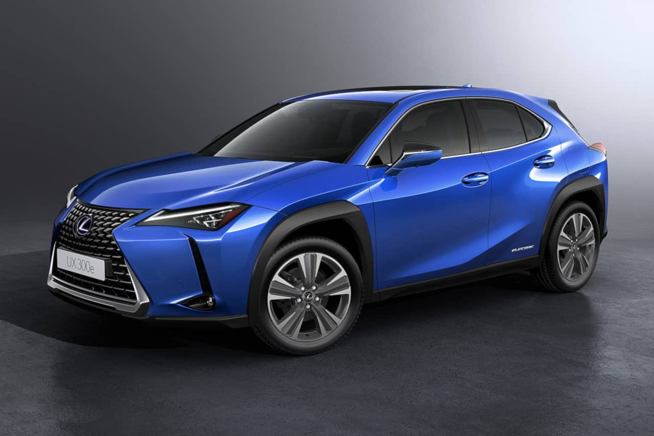 Lexus UX300e front three quarter
