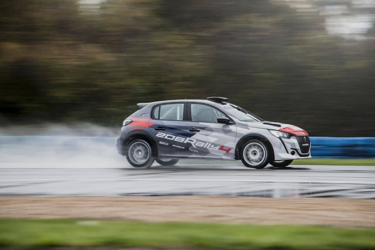 Peugeot 208 Rally 4 side