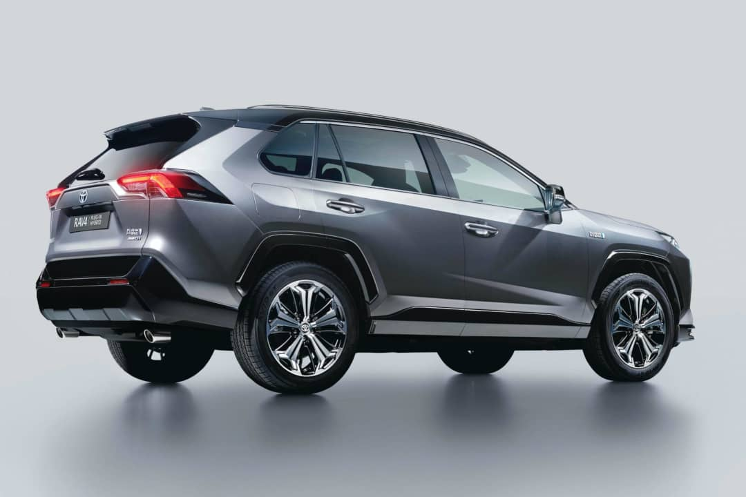 Toyota-RAV4-Plugin-Hybrid rear three quarter