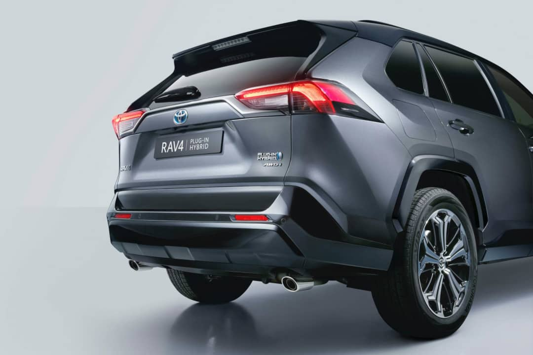 Toyota-RAV4-Plugin-Hybrid rear