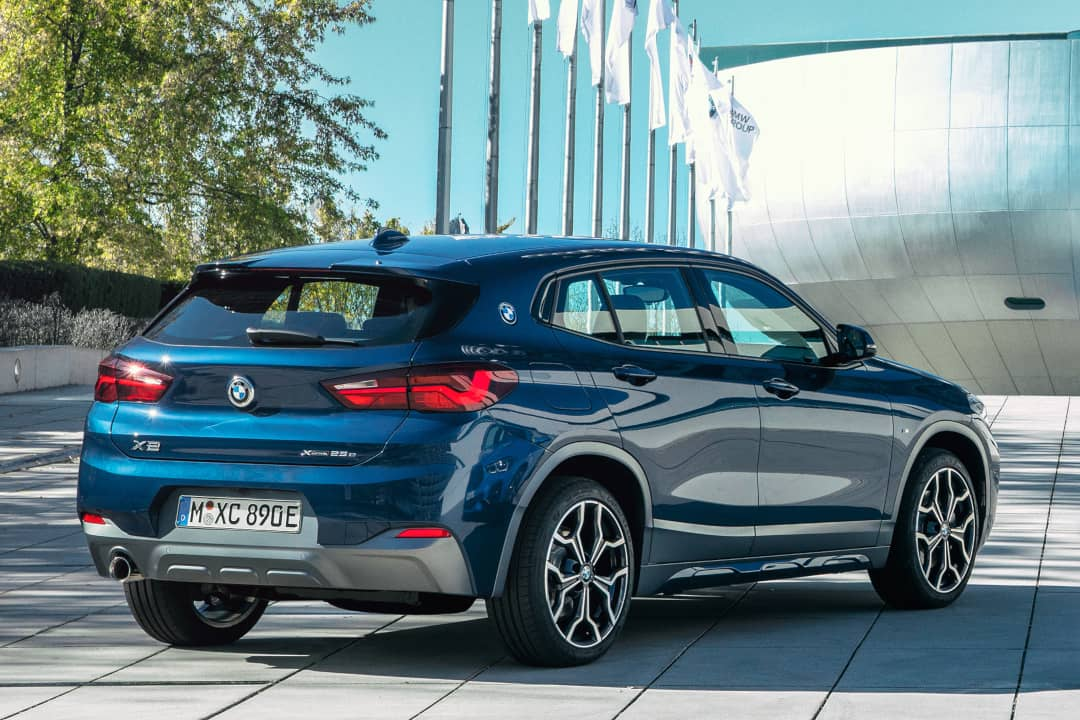 BMW X2 xDrive25e rear three quarter