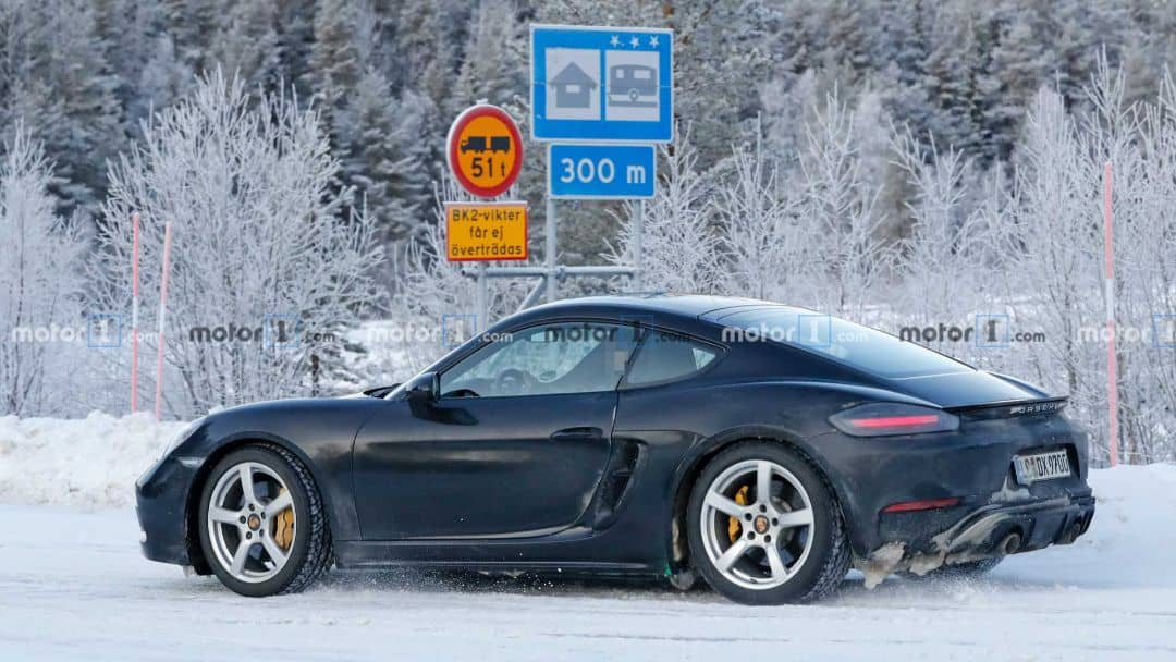 Porsche 718 Cayman GTS 4.0 spyshot rear three quarter