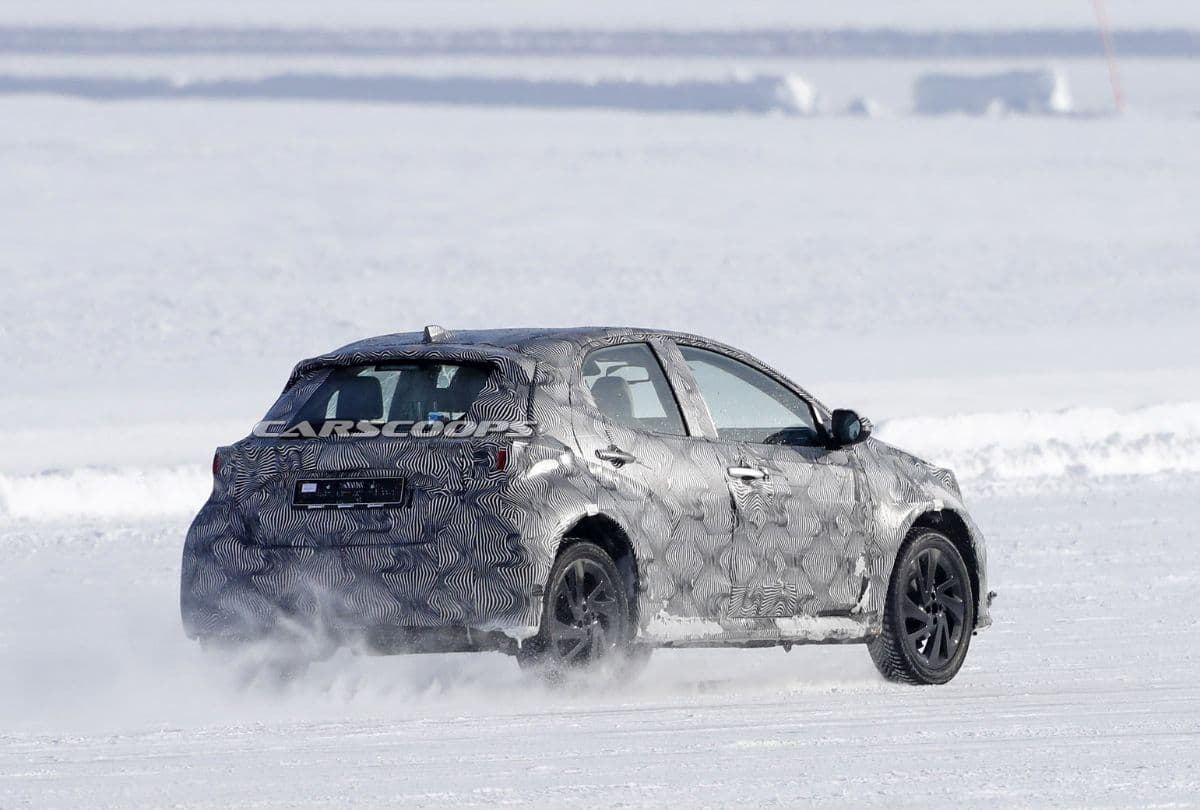 Toyota Yaris Cross Snow Test Spyshot rear three quarter
