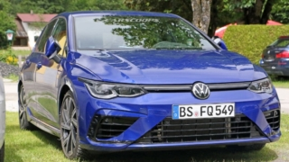 VW Mk8 Golf R spyshot camoless
