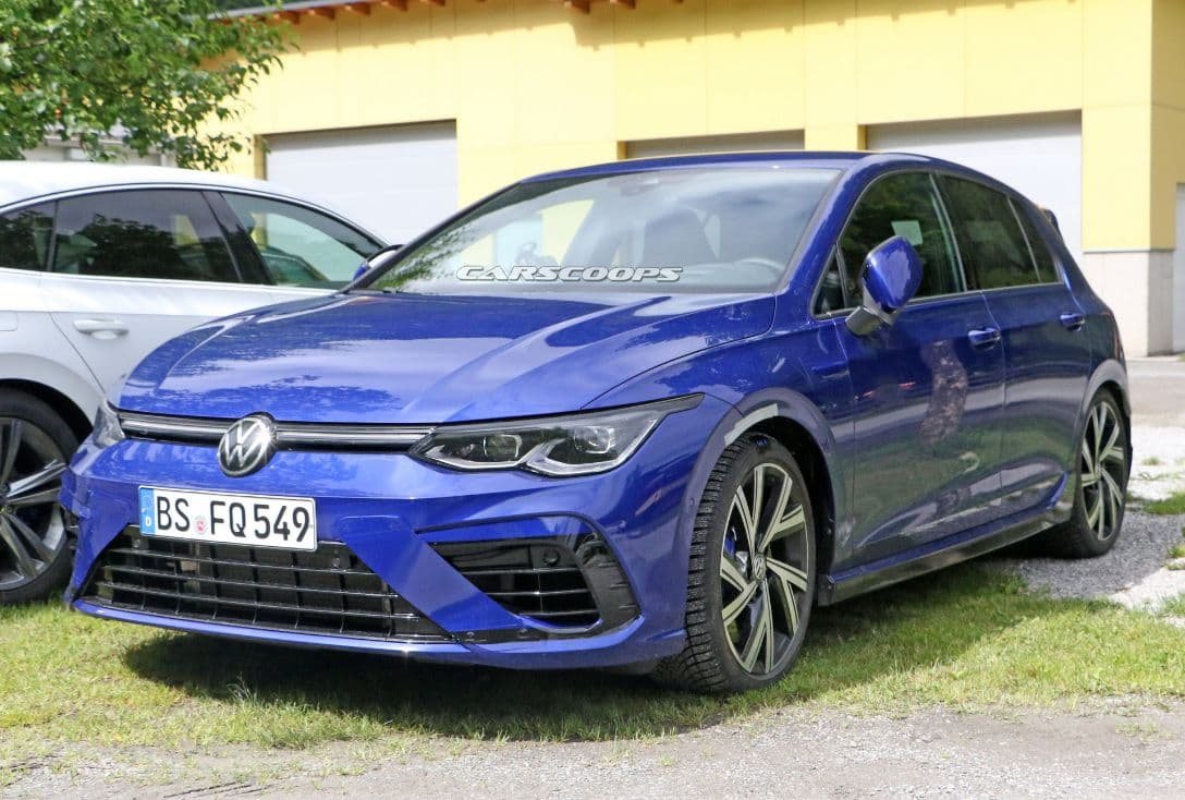 VW Mk8 Golf R spyshot camoless front three quarter