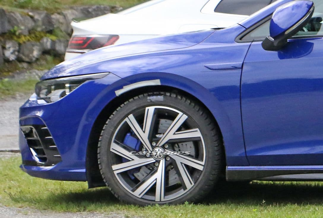 VW Mk8 Golf R spyshot camoless wheel