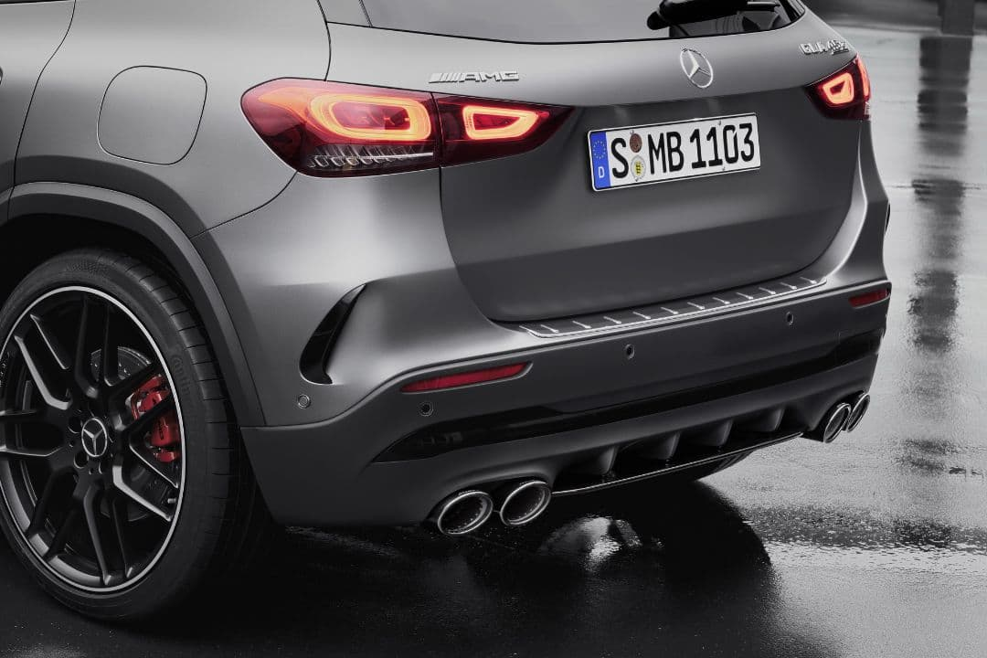 AMG GLA 45 exhaust