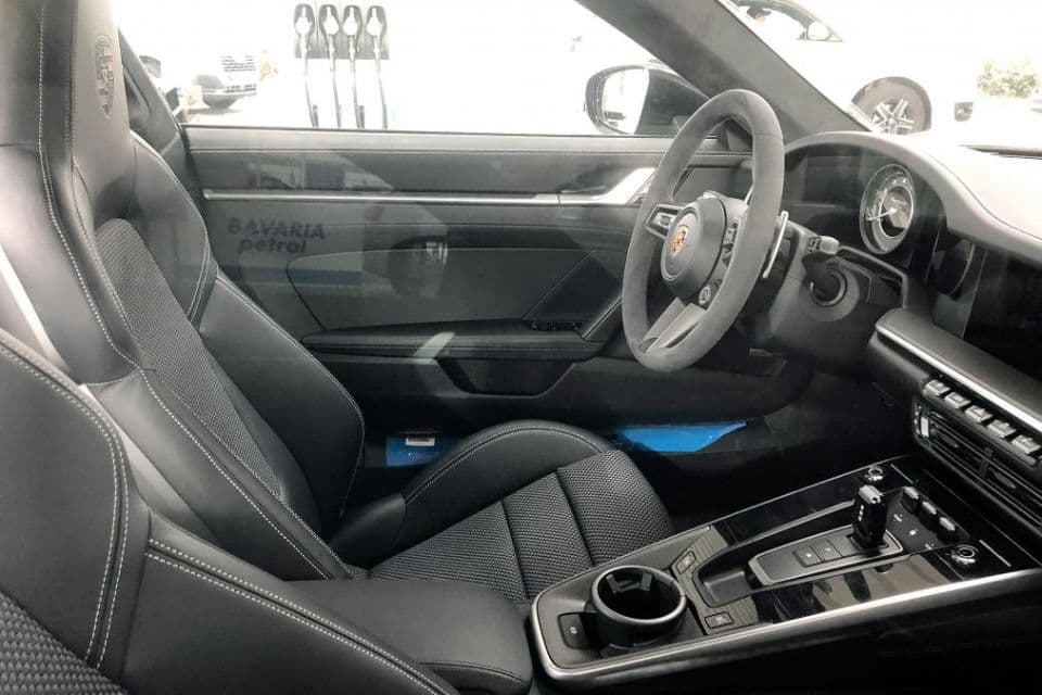 Porsche 911 Turbo S type 992 spyshot interior