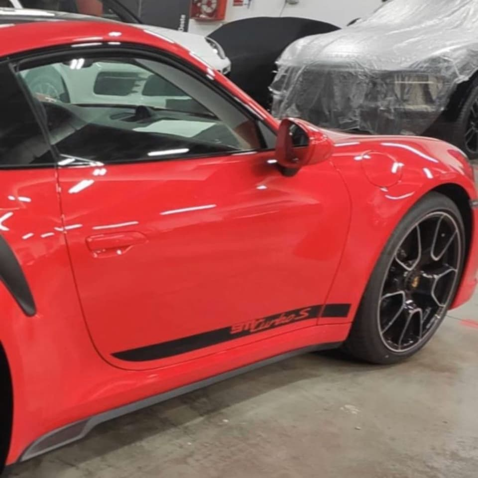 Porsche 911 Turbo Type 992 leaked side