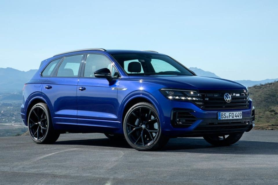 VW Touareg R front three quarter