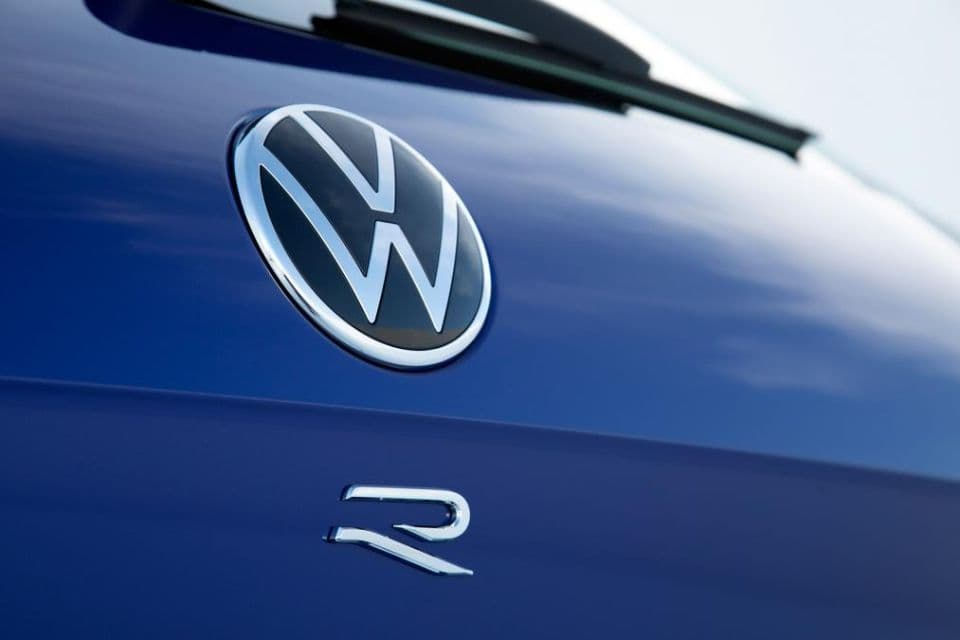 VW Touareg R badge
