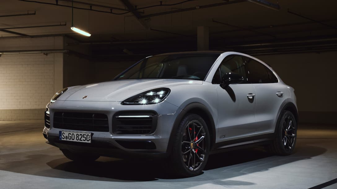 Porsche Cayenne GTS Coupe front three quarter