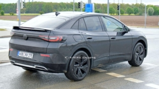 VW ID.4 GTX spyshot rear three quarter