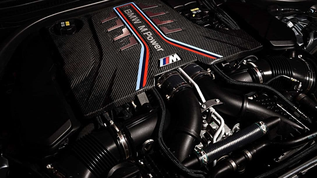 BMW M5 MY2021 engine