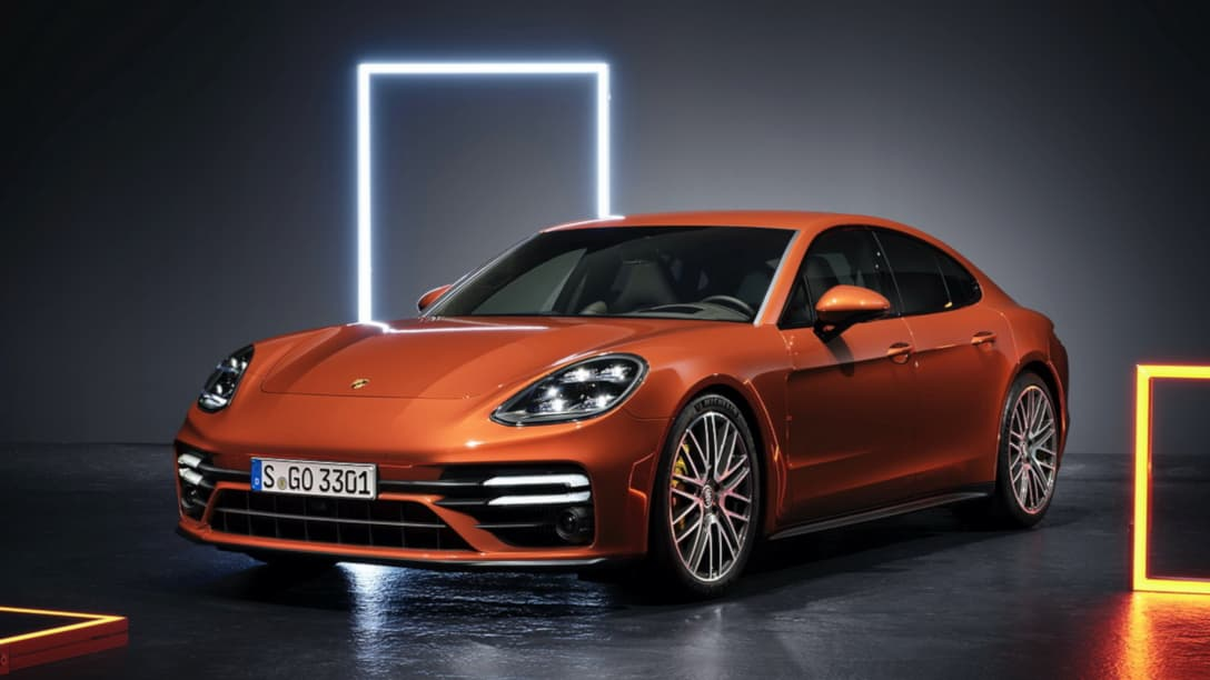 Porsche Panamera Facelift MY2021 front three quarter