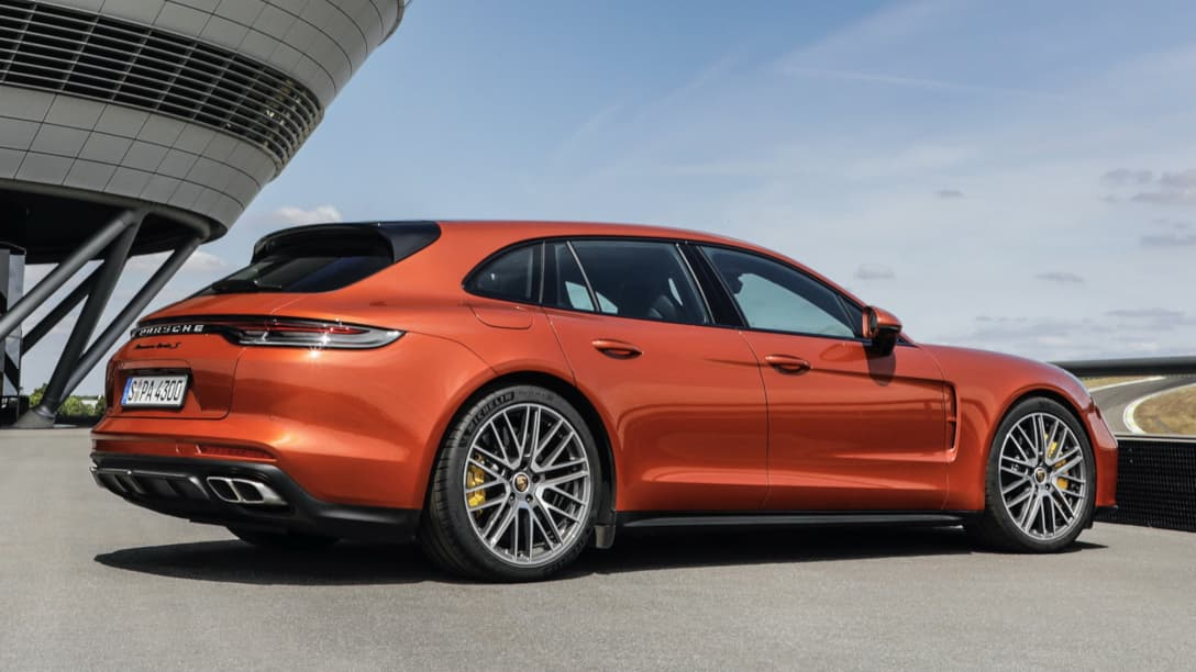 Porsche Panamera Facelift MY2021 rear three quarter