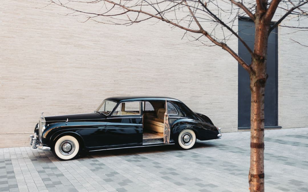 Rolls Royce Phantom V Electromod by Lunaz door open